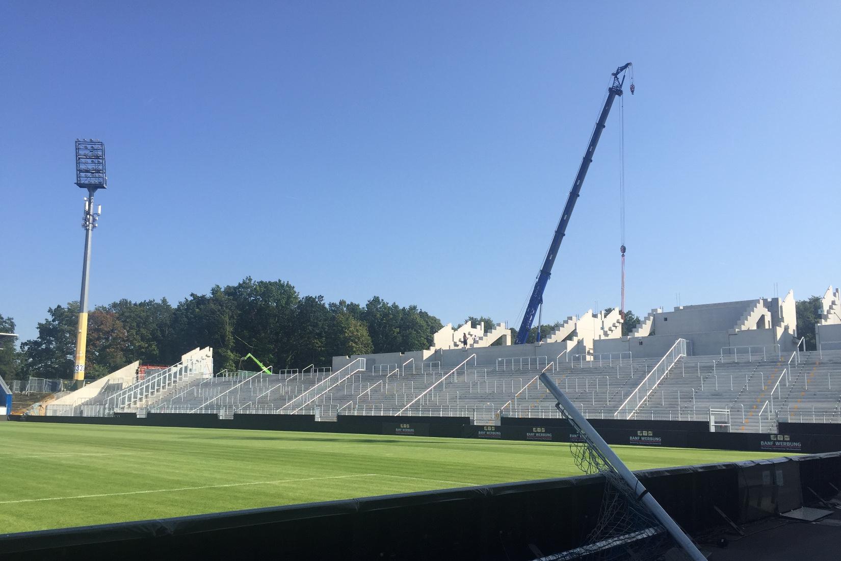 Stadion: Auch am Samstag wird gearbeitet