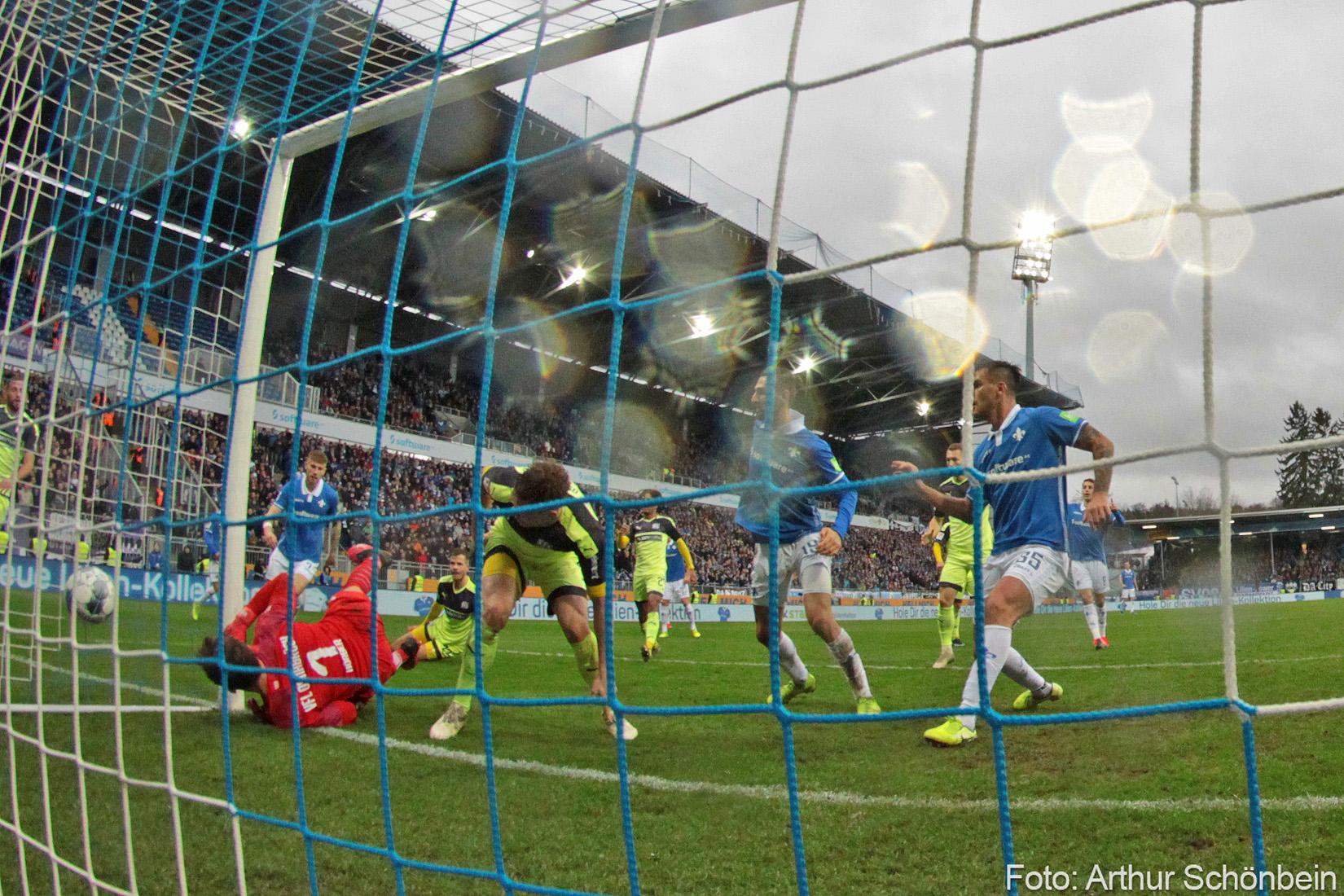 Impressionen vom Spiel gegen VfL Osnabrück