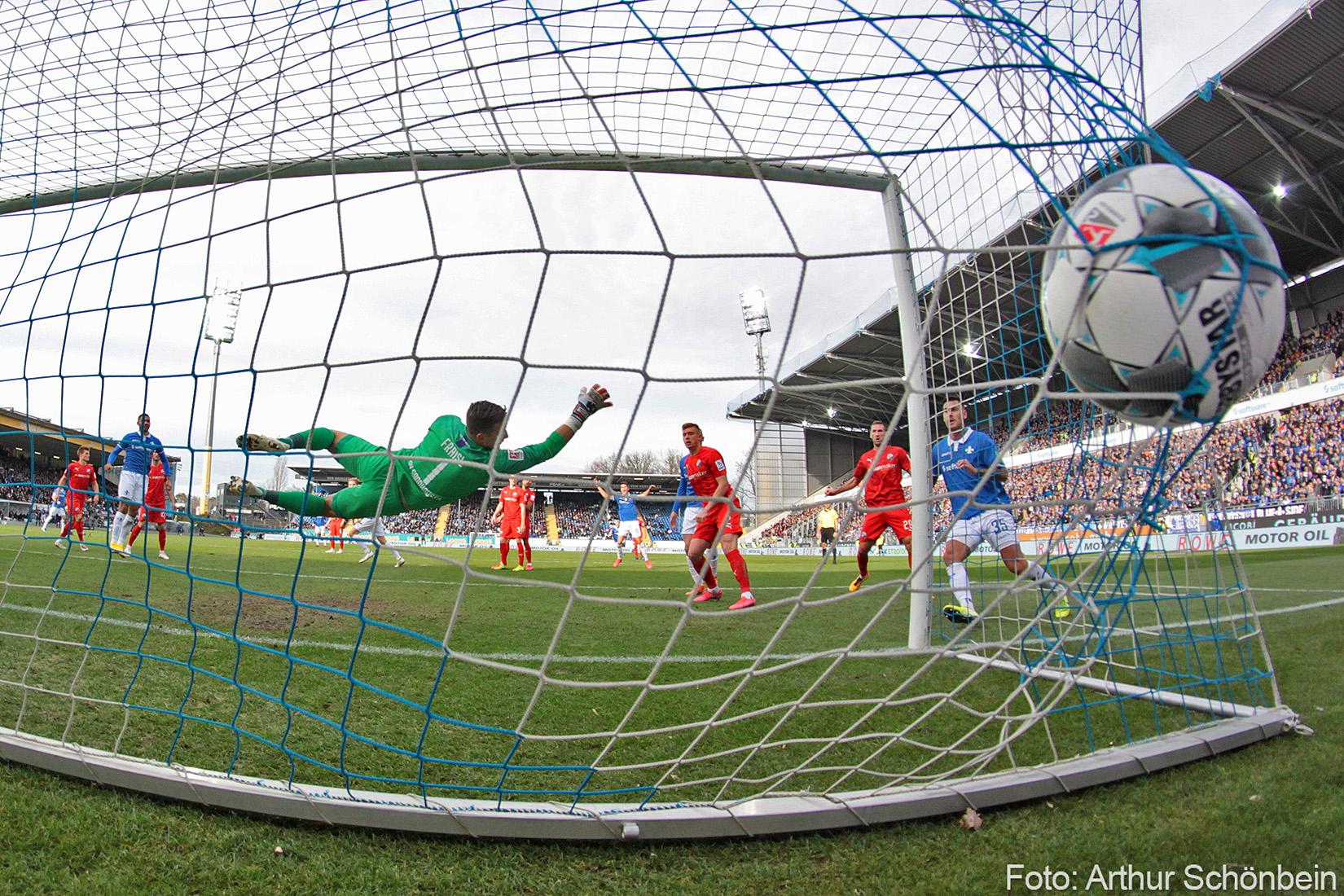 Impressionen vom Spiel gegen den SV Sandhausen